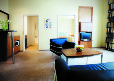 Deluxe Suite in Budapest - Spacious Suite with table